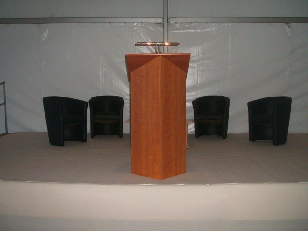 podium conférence à louer