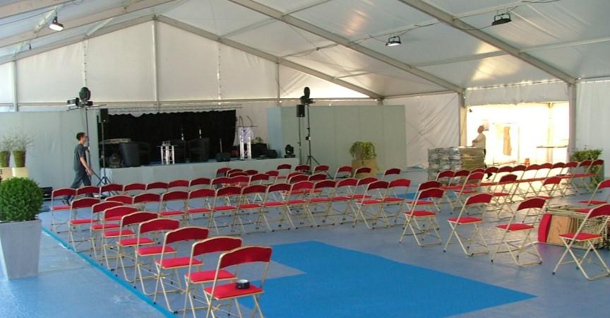 location podium nantes 44 location richard. Black Bedroom Furniture Sets. Home Design Ideas